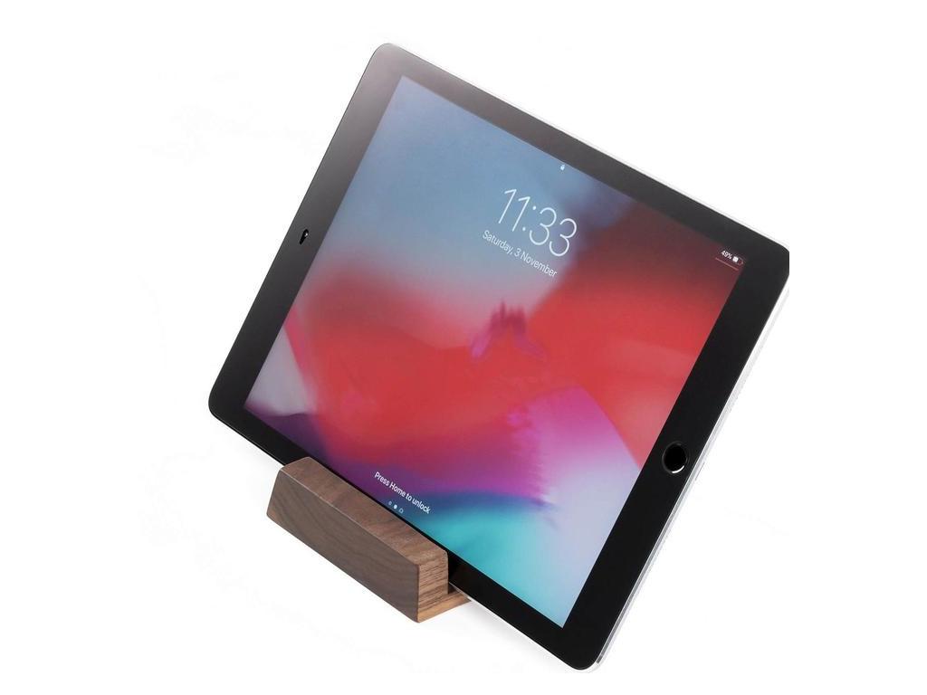 Drevený stojan na iPad