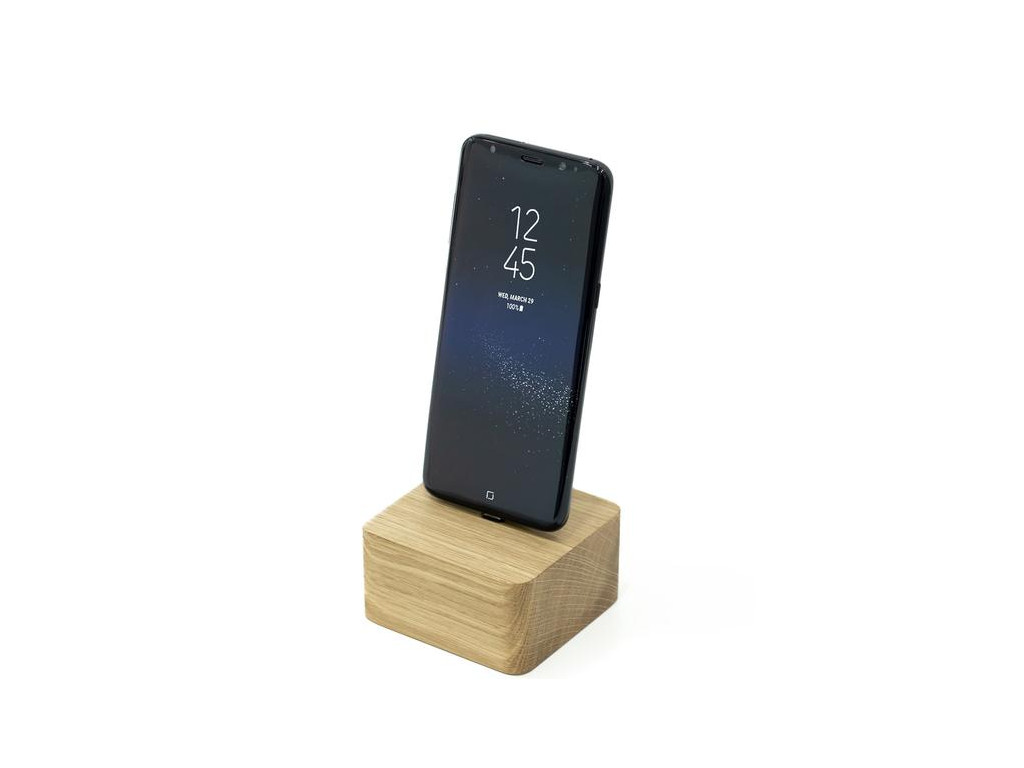 wood android charging dock www.oakywood.shop 590x