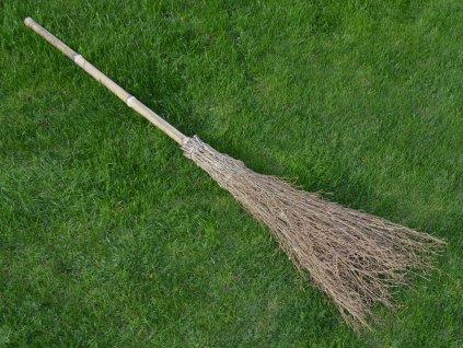 Březové koště s bambusovou násadou - 180 cm