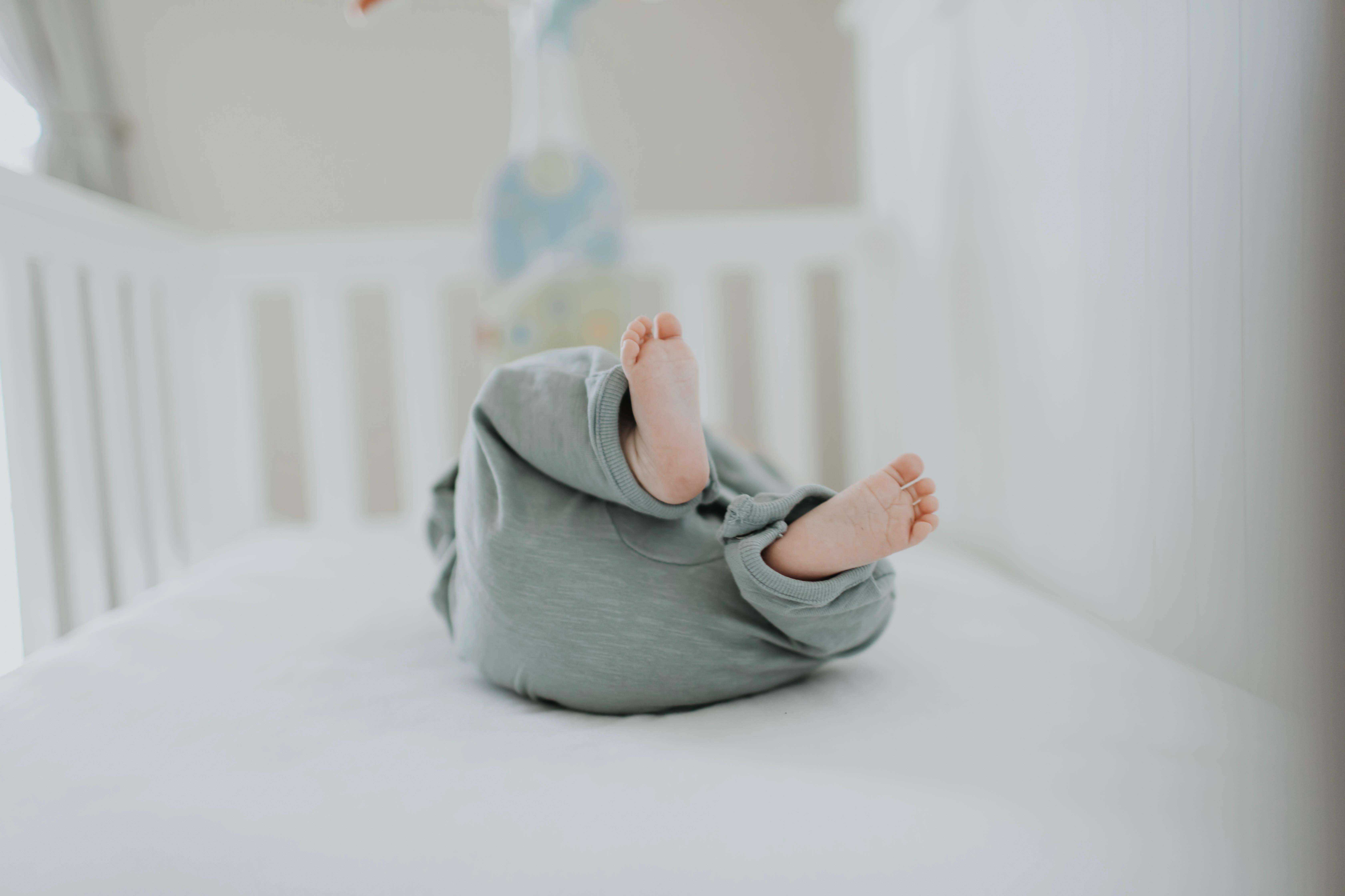 Jak zařídit bezpečný a harmonický dětský pokoj pro miminko