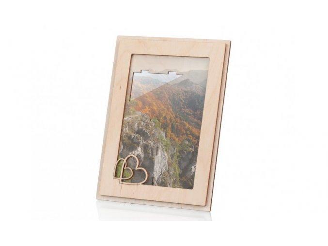 Dřevěný fotorámeček se srdíčky