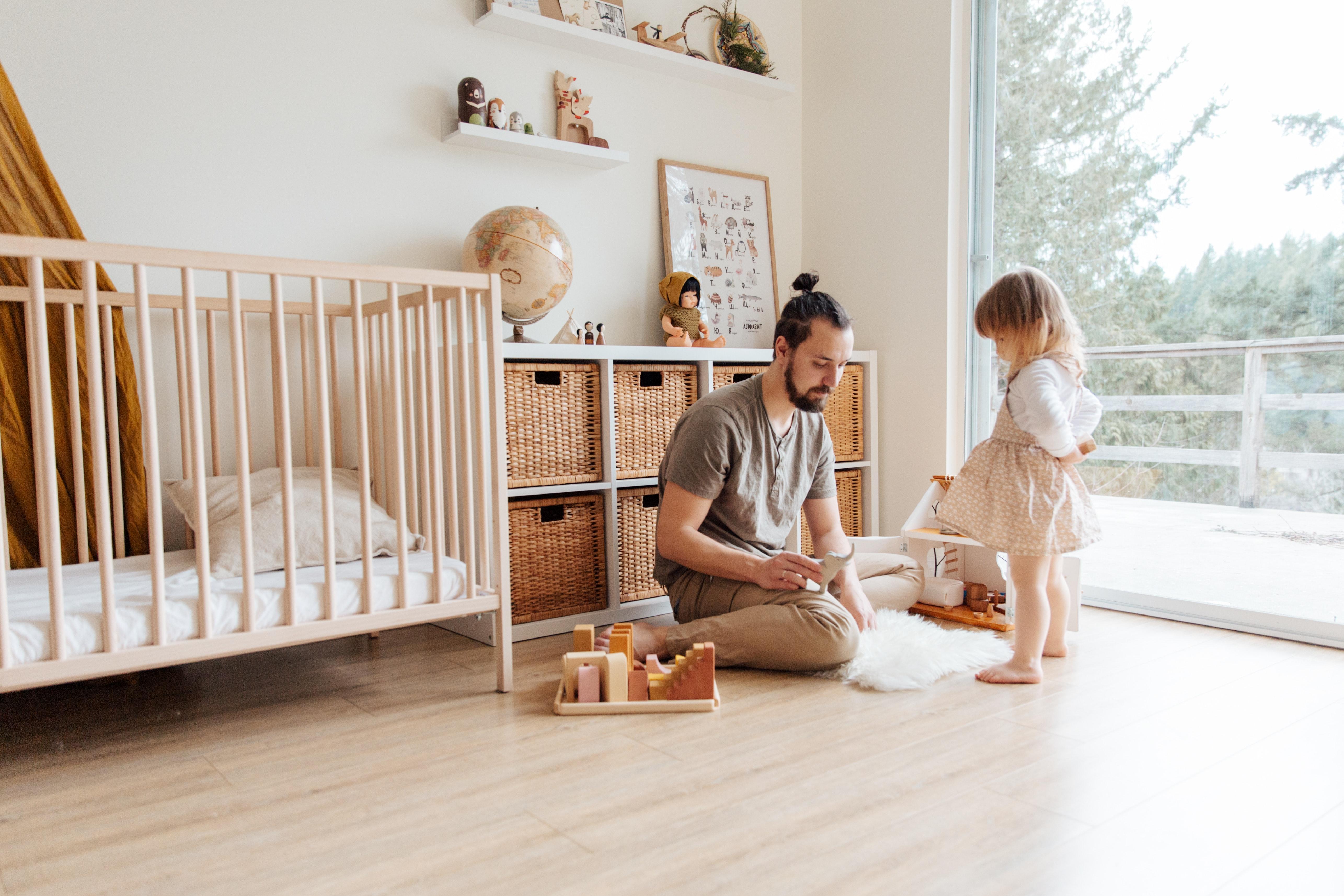 Aj muži majú svoje dni. Potešte otca na Deň otcov štýlovým dreveným darčekom!
