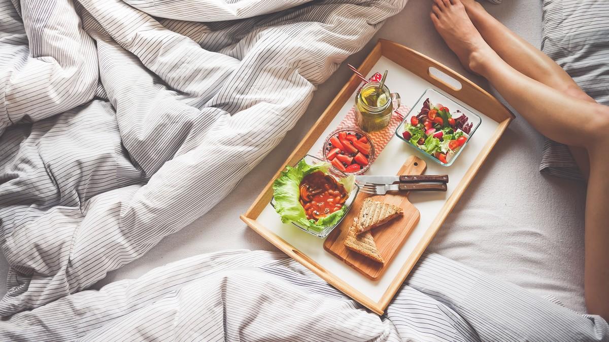 food-photography-breakfast-on-bread-illustration-196668