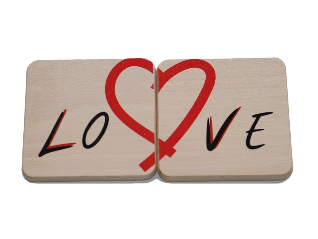 """Drevený podtácok """"Love"""" (2 ks)"""