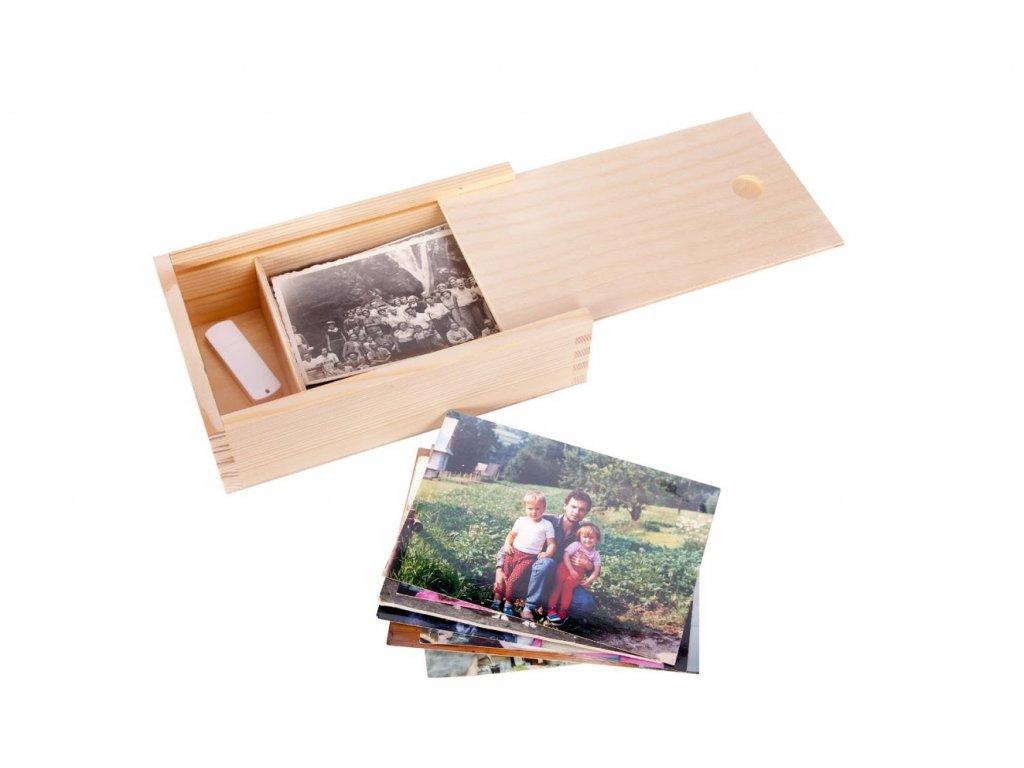 Drevená krabička na fotografie vo formáte 9x13 cm