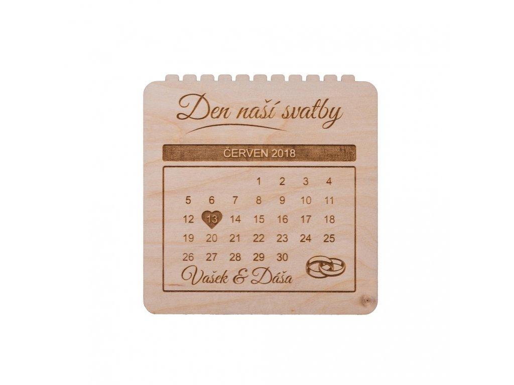Drevená svatobná pozvánka kalendár