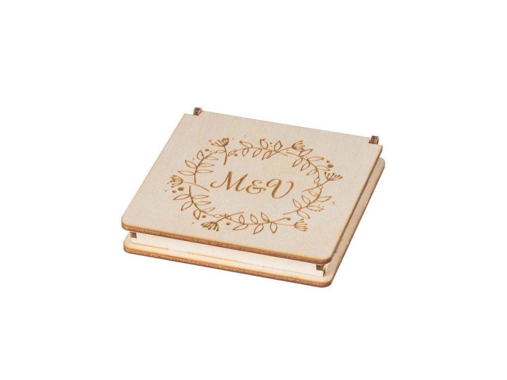 Drevená krabička na snubné prstene s vlastným motívom