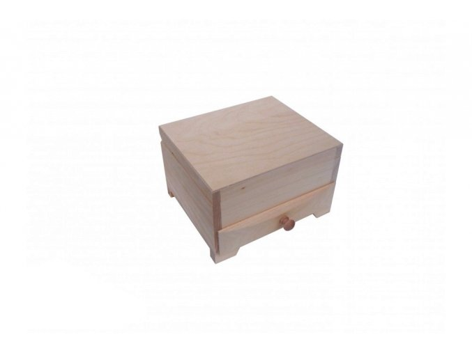 Dřevěná šperkovnice