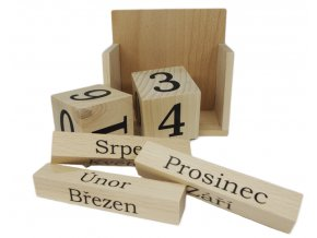 nekonečný kalendář ze dřeva