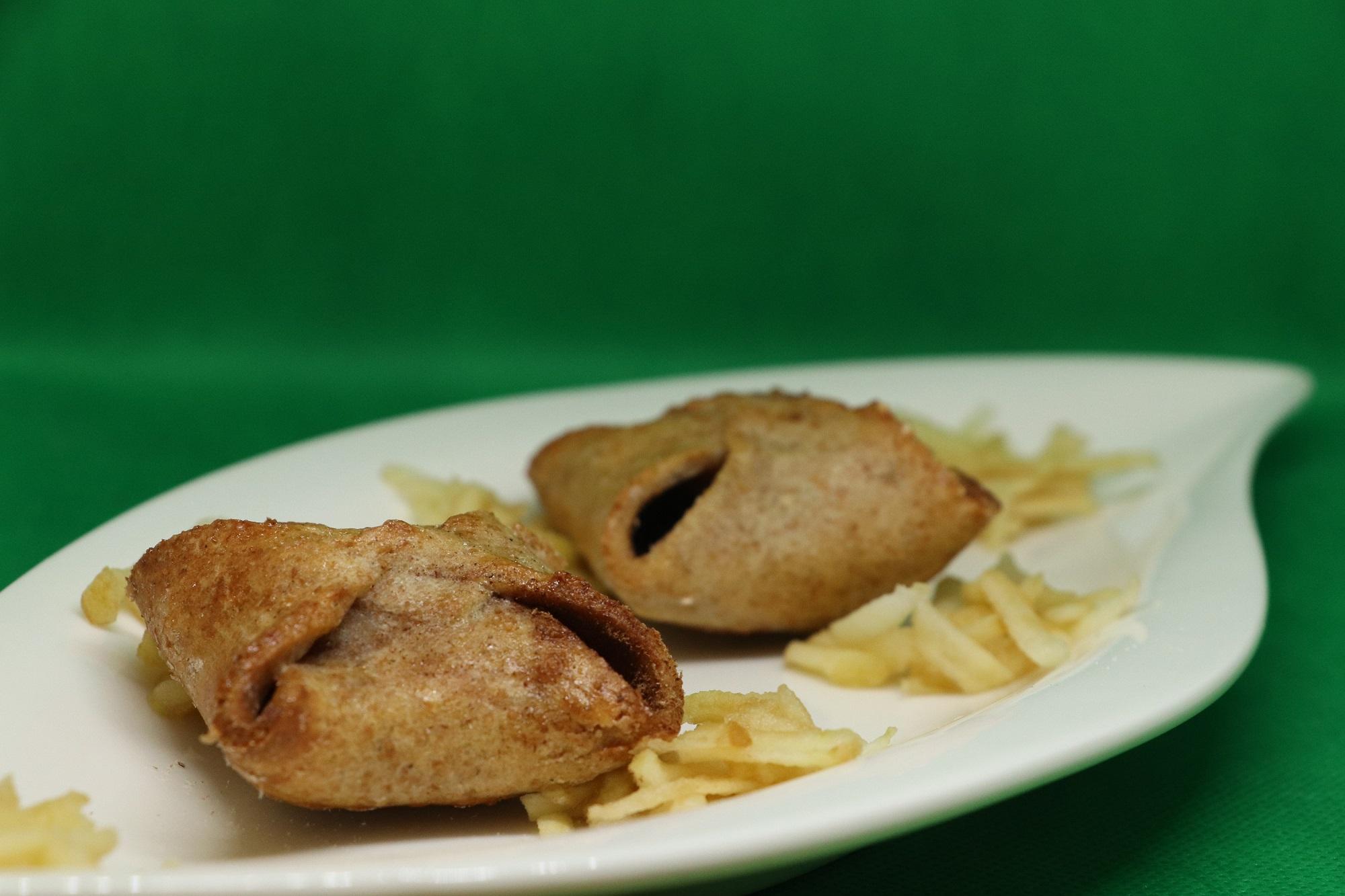 Recept: Zdravé jablkové šátečky z pohankové a špaldové mouky