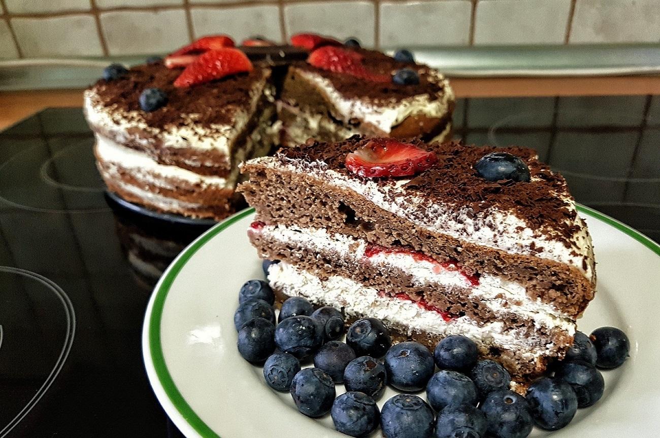 jablecny-kakaovy-dort-nuttamix