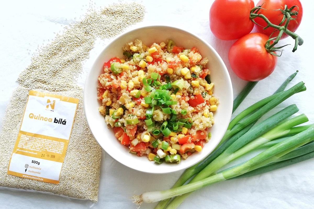 letni-quinoa-cerstvy-salat-nuttamix-recepty