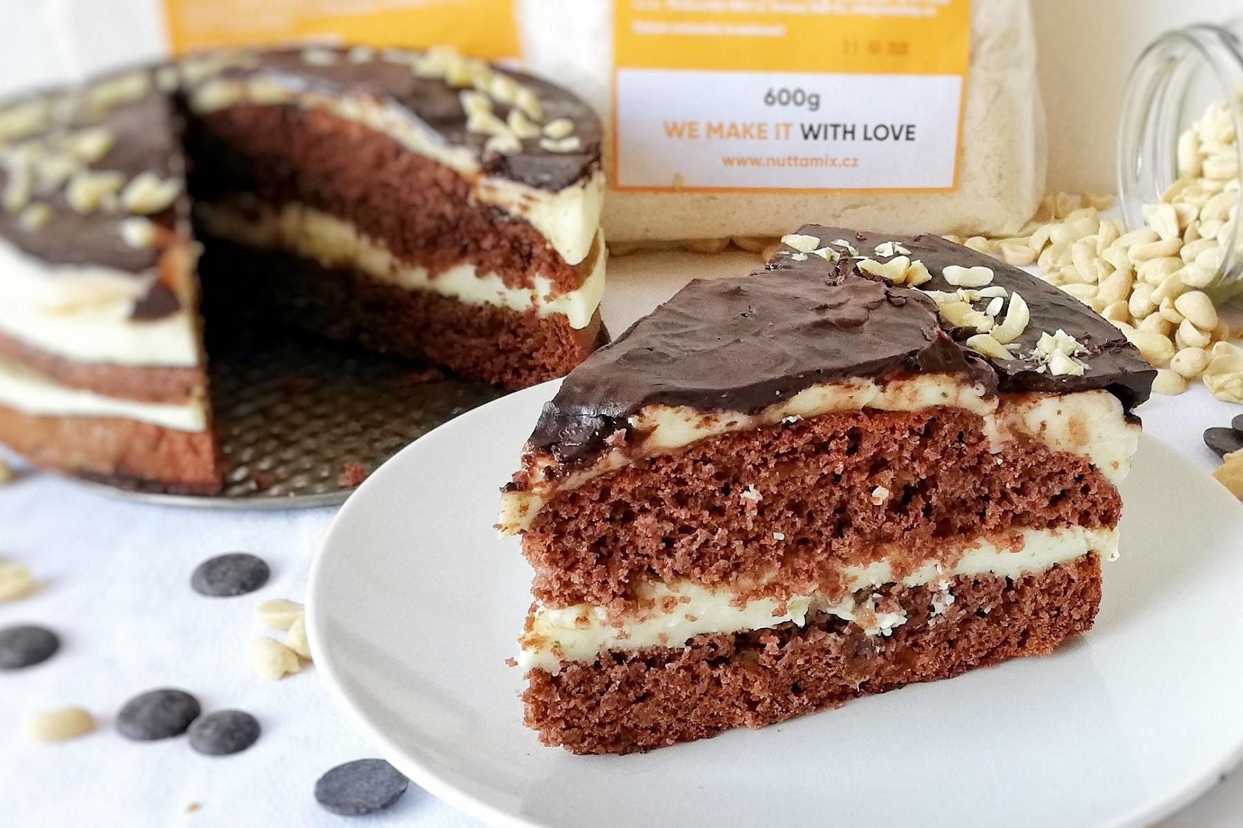 recept-kakaovy-dort-ze-zdrave-mouky-a-datli