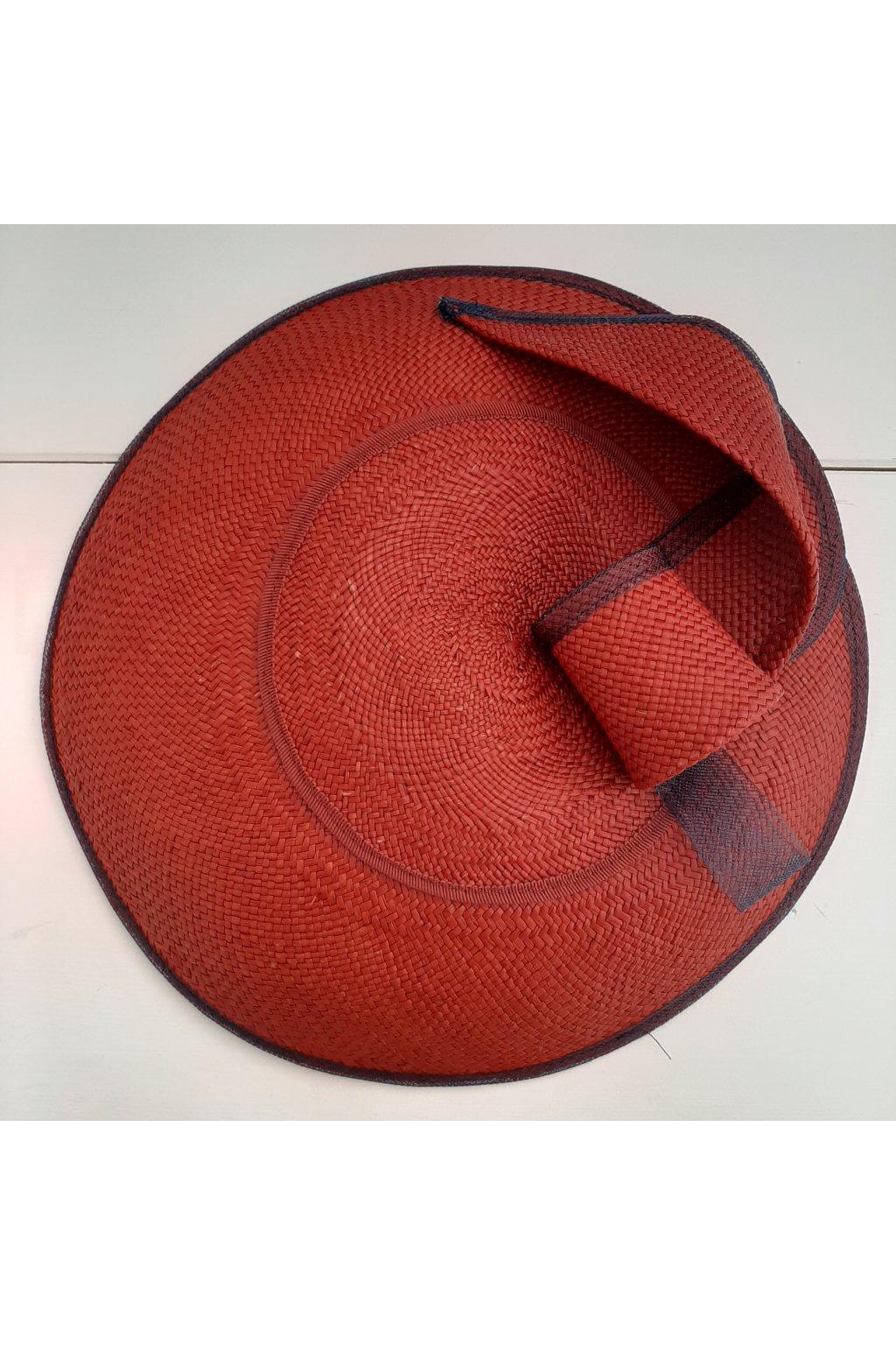 červený fascinátor čelenka ALATE