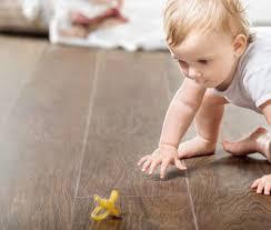Čistiace prostriedky na podlahy