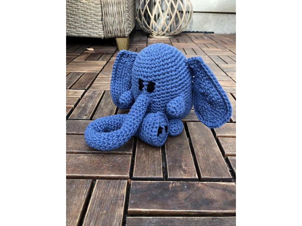 Ručně háčkovaný slon hračka 3