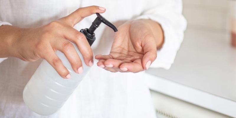 Hogyan készítsünk házilag kézfertőtlenítőt? Ismerjük a receptet az otthoni elkészítéshez