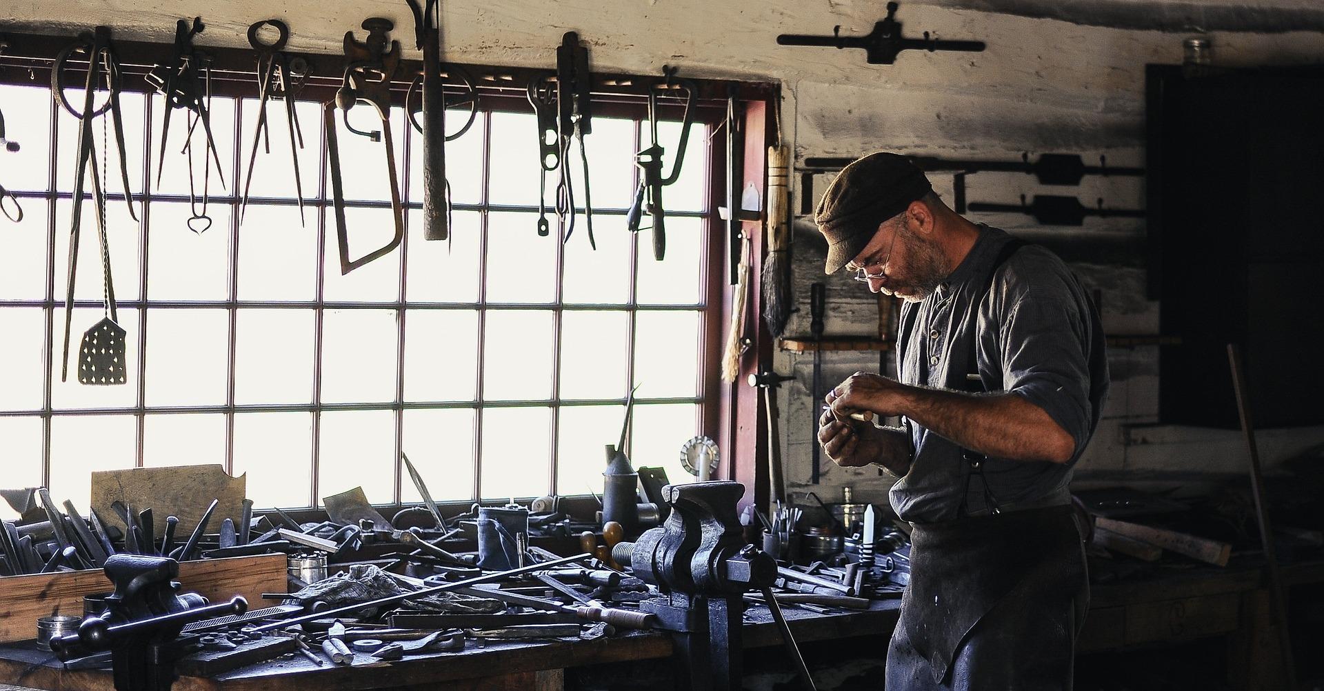 Aj pracovné oblečenie sleduje módne trendy