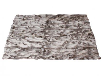 150527 Rabbit carpet 1