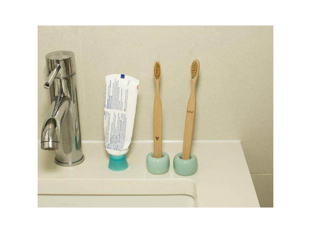 Zubní kartáčky - naháči