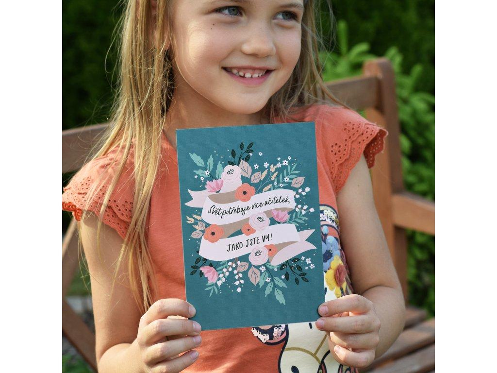 Přání s obálkou Stuha s květy - Svět potřebuje více učitelek, jako jste Vy!