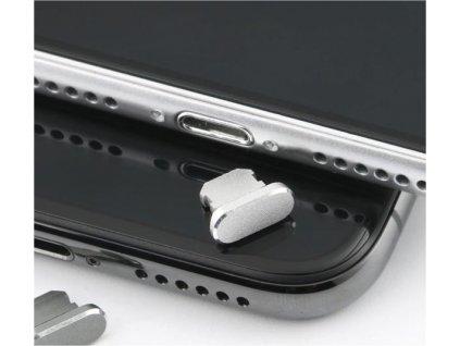Zátka do slotu pro nabíjecí konektor iPhonu