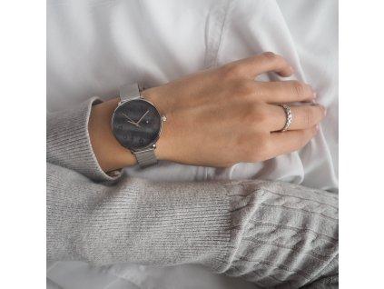 Stříbrné dámské hodinky MINET PRAGUE Black Flower Mesh s čísly  + Dárek zdarma