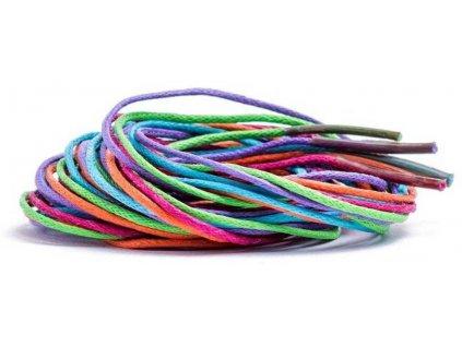 WOODY DŘEVO Korálky navlékací tyrkysové set s barevnými tkaničkami v tubě
