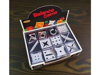 Logická a dovednostní hra v kostce