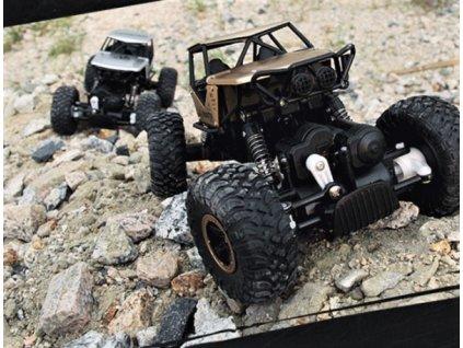 Strong Crawler 4x4 s kovovými díly - stříbrný  + Nanopodložka, loupač, nebo desinfekce