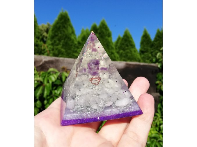 Pyramida Ametyst