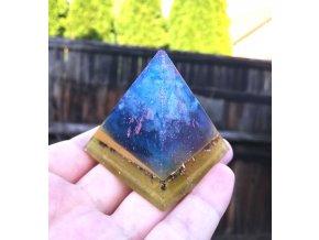 Pyramida Vesmír