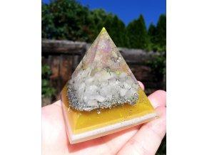 Pyramida s Růženínem