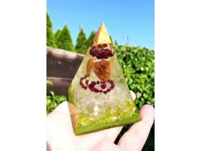 Pyramida Granát srdce