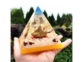 Pyramida Buddha s granátem