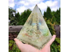 Pyramida velká fosforuje