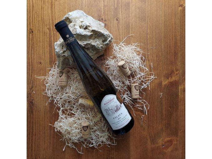 bile vino palava 2019 vyber z hroznu polosladka