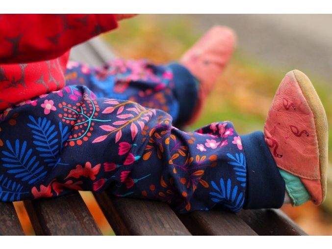 Rostoucí kalhoty Květinová louka