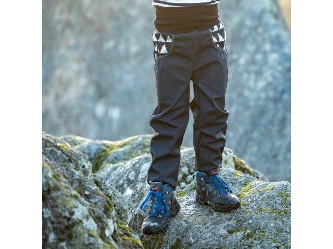DUPETO 1x1 jarni podzimni rostouci softshellove kalhoty Cerne Triangle 2