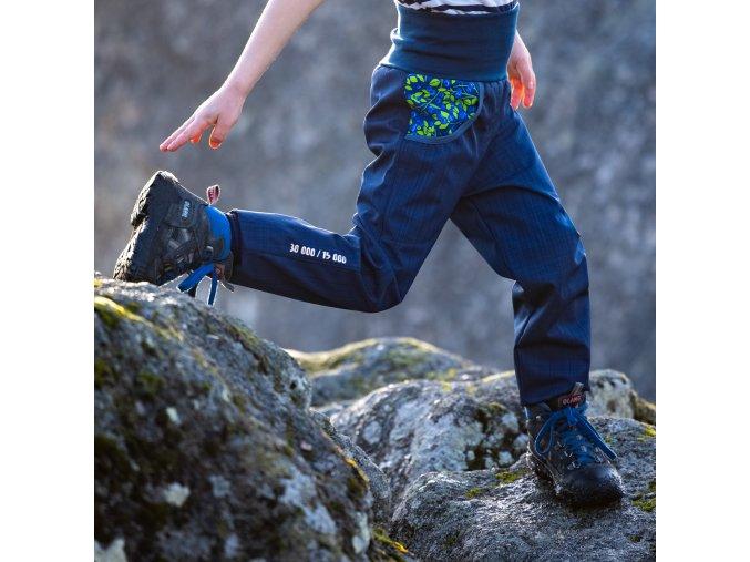 DUPETO 1x1 jarmi podzimni rostouci softshellove kalhoty Modre boruvky 2