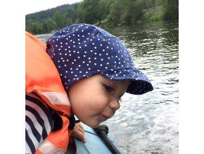 Čepice s kšiltem Modrý puntík