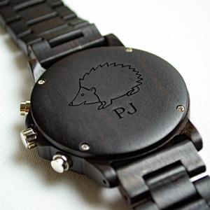Dřevěné hodinky Duppau s vlastním věnováním symbol ježek