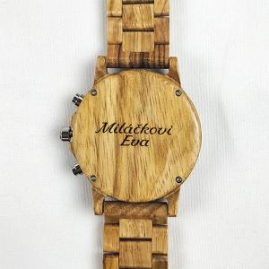 Dřevěné hodinky s věnováním vlastního textu