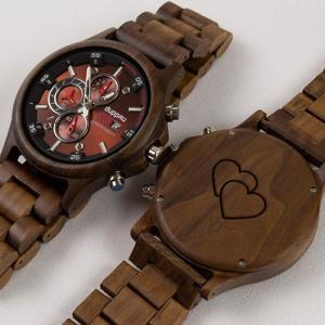 Pánské dřevěné hodinky s gravírováním srdíčka