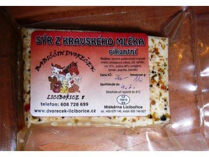 Sýr z kravského mléka - pikantní