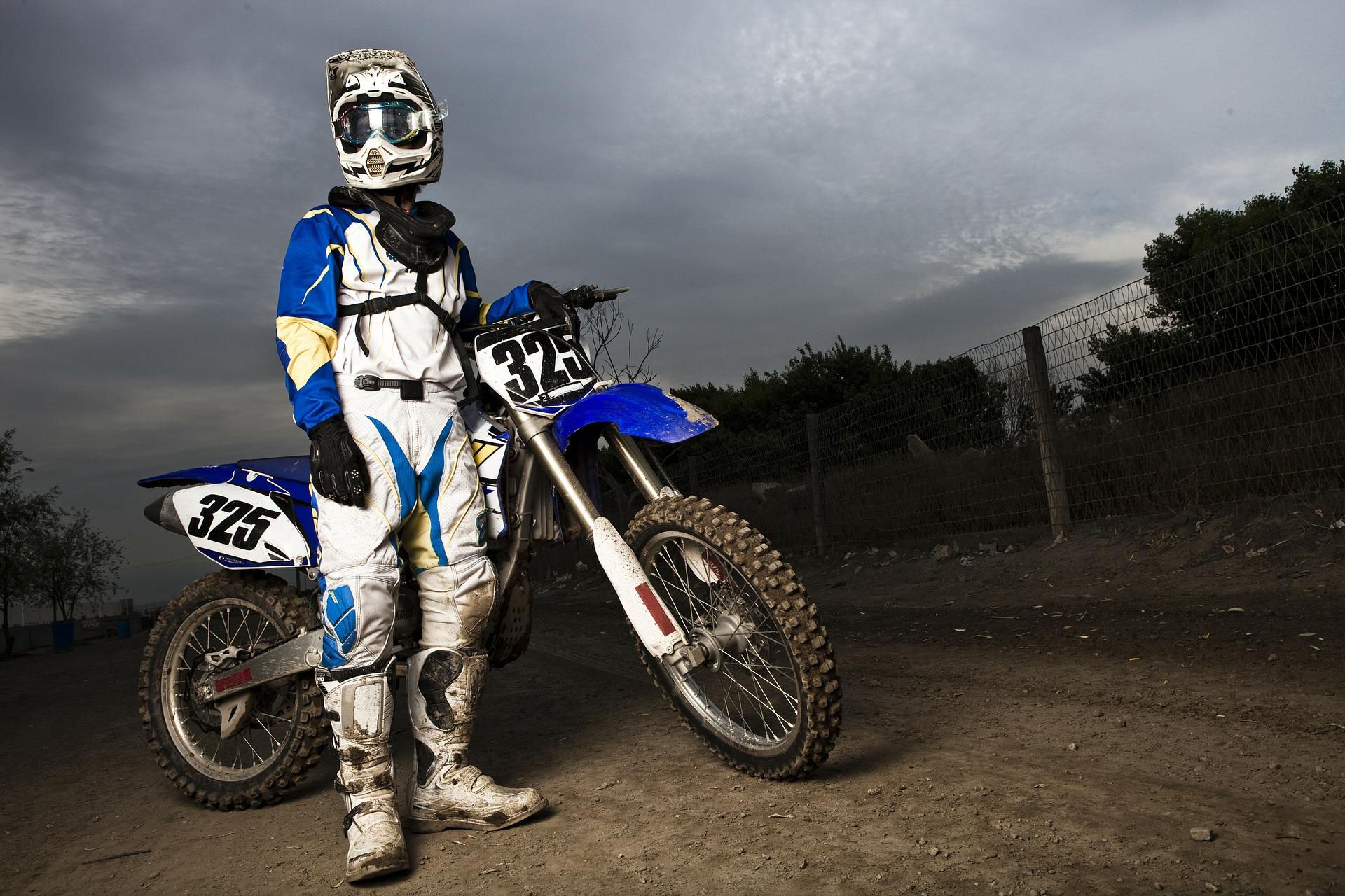motocross_helma