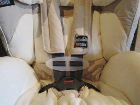 držák pásů k autosedačce
