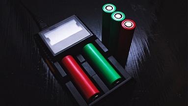 Zásady bezpečnosti při zacházení s bateriemi