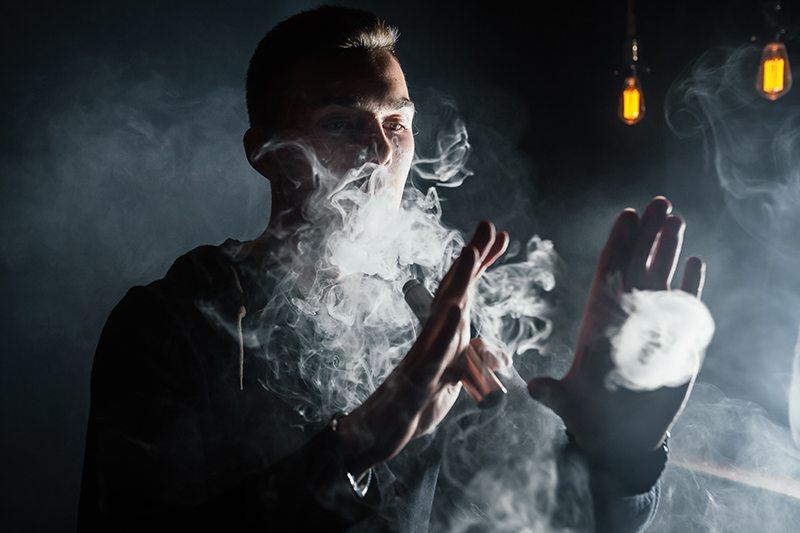 elektronicka-cigareta-dym-prepalovani