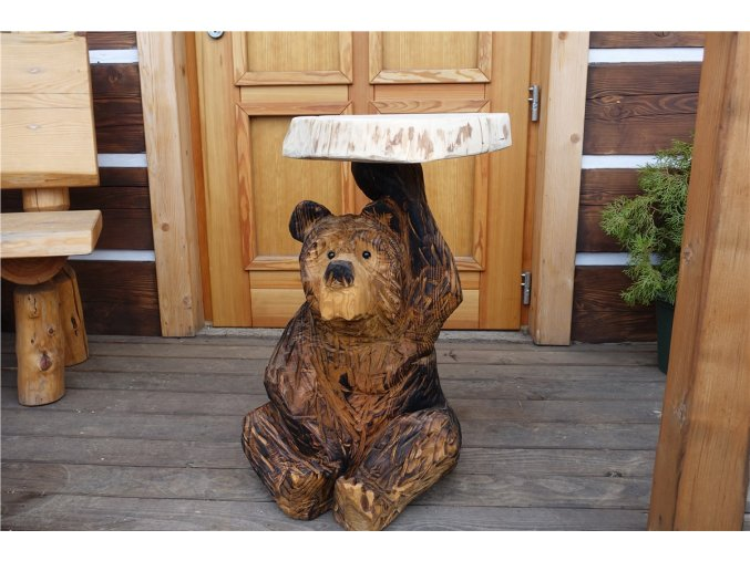 Socha ze dřeva, Stoleček medvídek